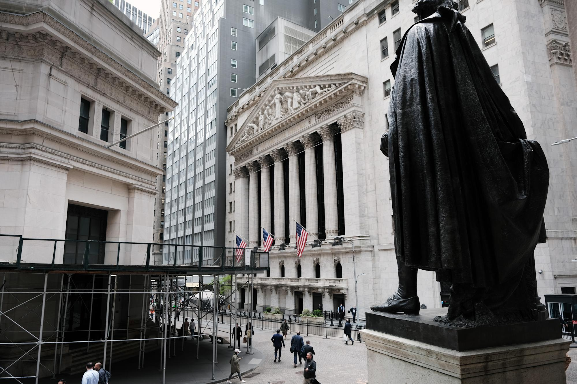 Stock market news live updates: Stocks gain as technology shares outperform, Bitcoin recovers some losses - Yahoo Financ