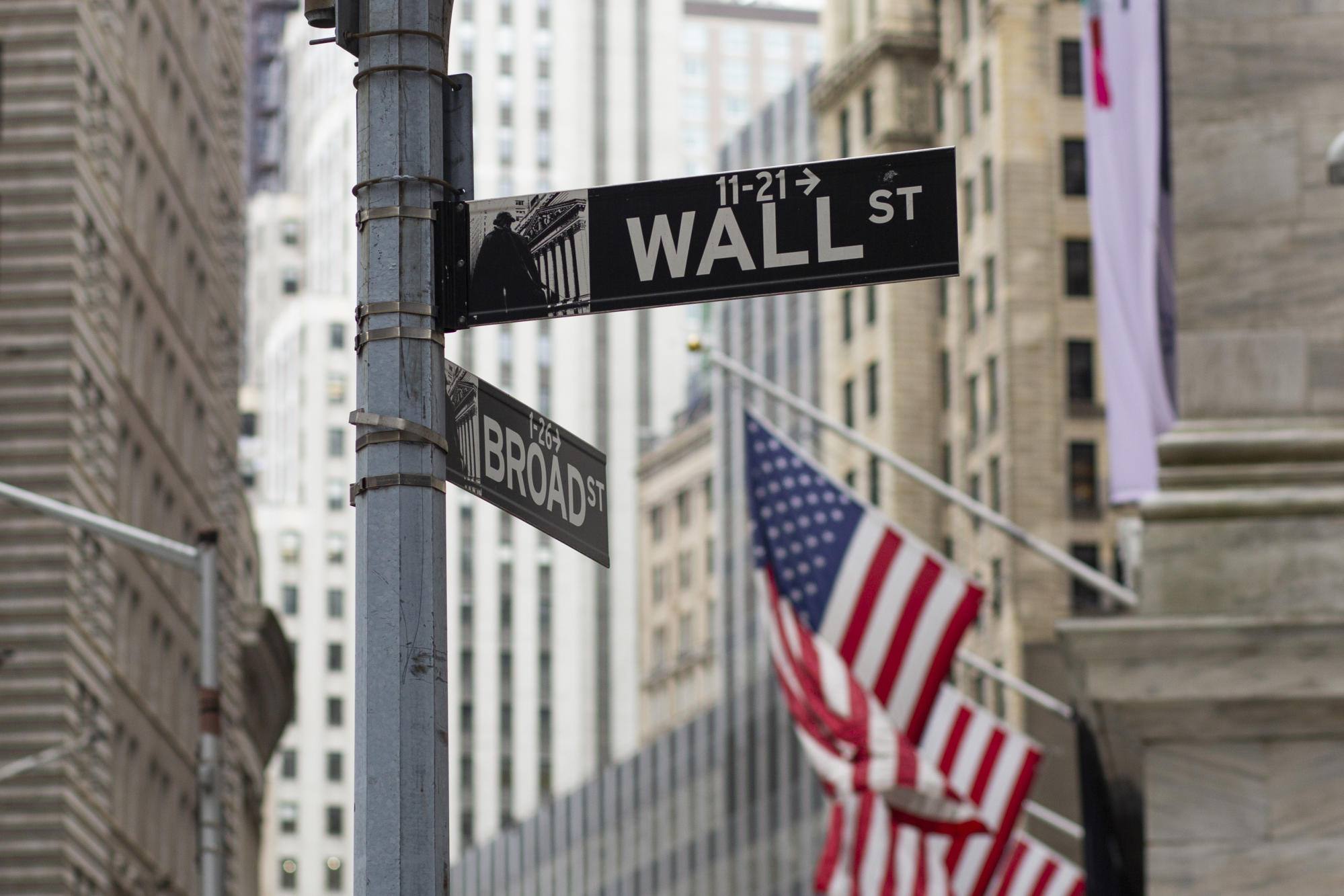 Stock market news live updates: Stocks lose steam in final stretch of trading, Dow closes lower by 153 points, or 0.4% -