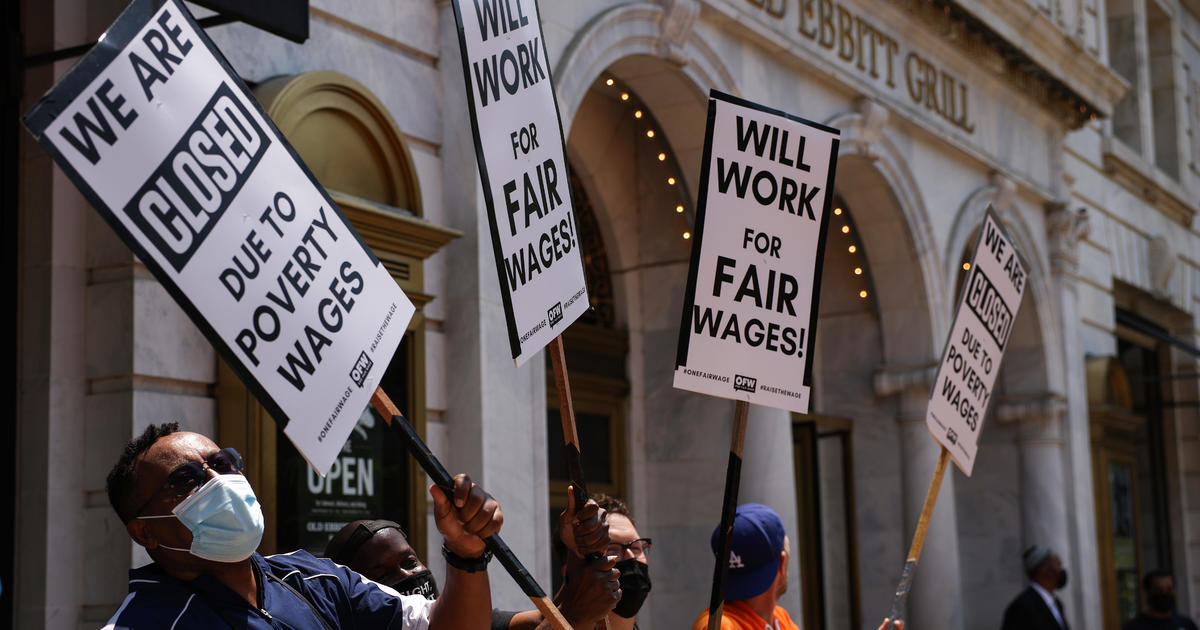 People are quitting their jobs at record rates. Thats a good thing for the economy. - CBS News